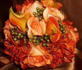 Beautiful Fall Wedding Bouquet. Real Touch Calla lily, Roses, Rose Buds, Eva Berries and Dahlias. Mossy Oak Camo look with change of ribbon